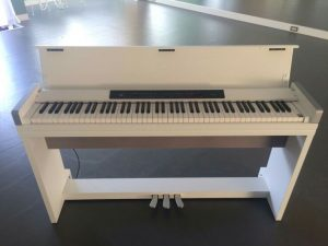 高田馬場 レンタルスタジオの 無料 備品 電子ピアノ