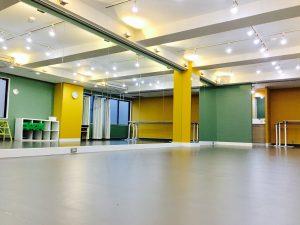 高田馬場 レンタルスタジオ は バレエ 向けの バレエ用床シート を使用しています